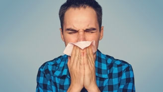 Clear A Stuffy Nose And Drain Sinuses In Seconds With This Doctor's Life-Changing Technique