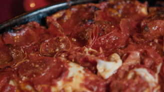 Former Chicago Bears DT Spice Adams Visits Chicagoland For The World's Best Deep-Dish Pizza