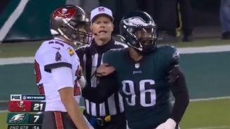 Ref Steps In And Protects Tom Brady From Getting Blocked By Eagles Player After Interception